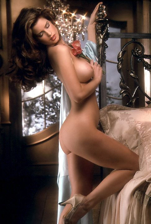 Top 10 – The 90s D Cup Boobs nude for Playboy