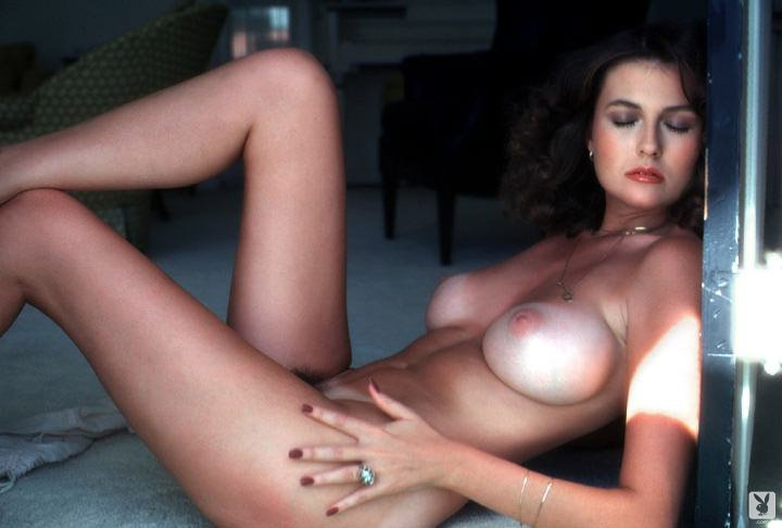 Top 10 – All-Natural DD Cup Boobs of The 80s nude for Playboy