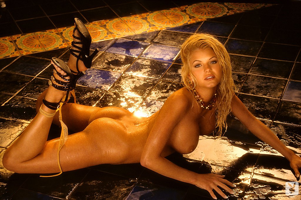 Playboy Playmate Review 1996 – Features nude for Playboy